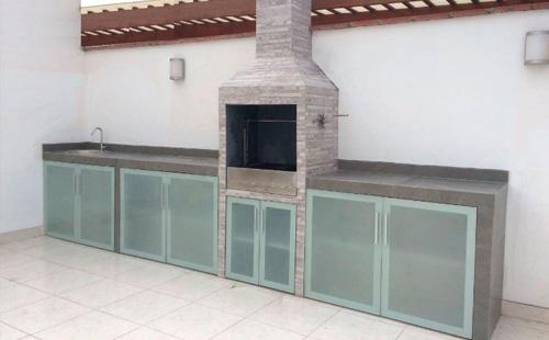 Puertas inferiores de aluminio para estaciones de parrilla